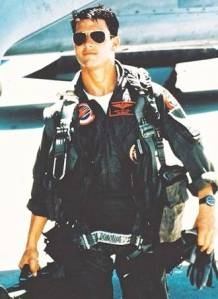 top_gun_maverick_tom_cruise_suited